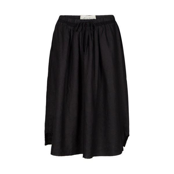 Feminin, flot nederdel fra And less