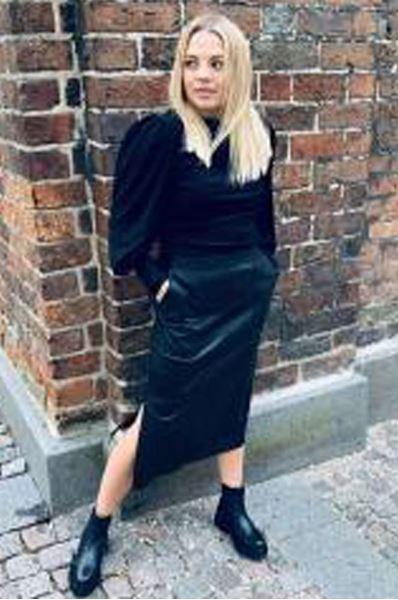 francie nederdel fra second female