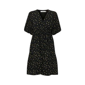 Avery kort kjole fra Gestuz
